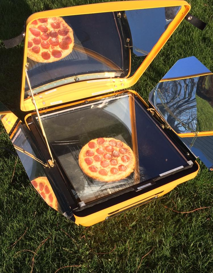 Solar Cooking - Solar Electric Oven baking pizza