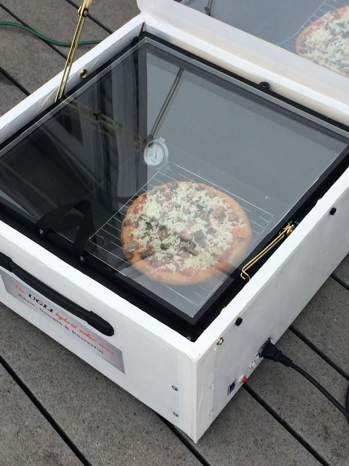 Cooking a Pizza in the UGLI Hybrid Solar Oven
